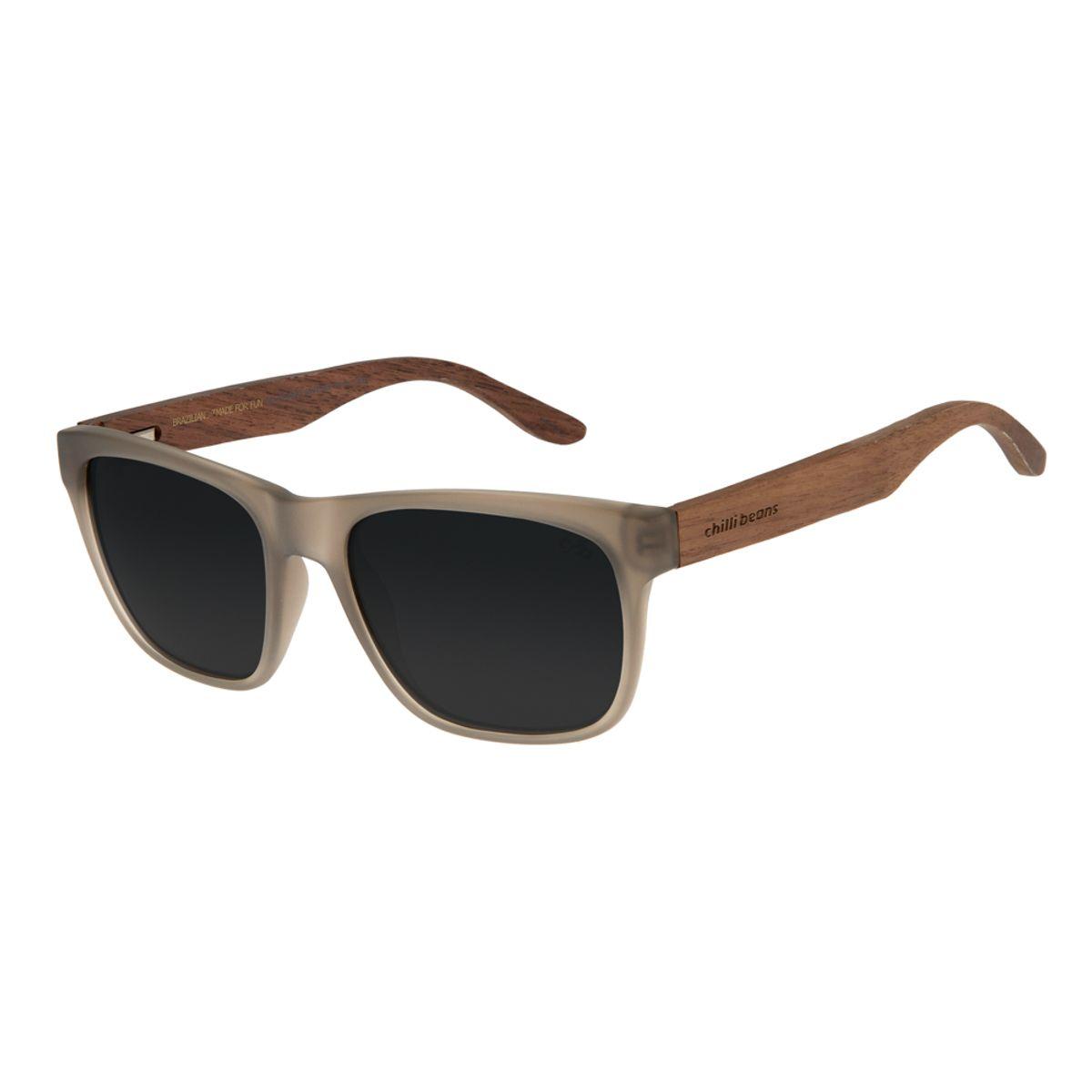 c3865b70e Óculos de Sol Chilli Beans Masculino Haste de Madeira Cinza ...