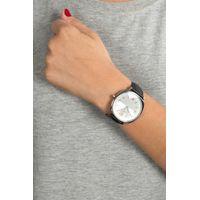 Relógio Analógico Feminino Chilli Beans Quadrado Preta RE.CR.0386-0701.4